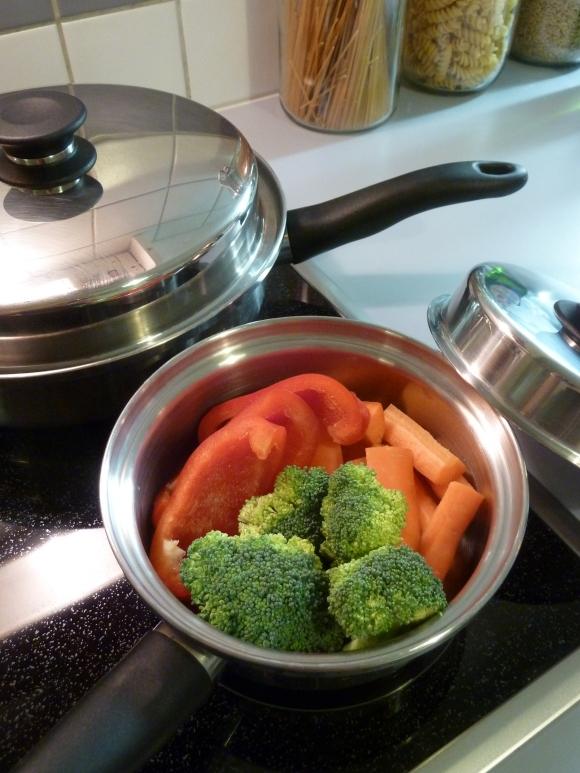 Die Speisen behalten ihre Farbe und sind intensiv im Geschmack - denn die Nährstoffe werden nicht ausgeschwemmt. Hier ein vorher-Bild.